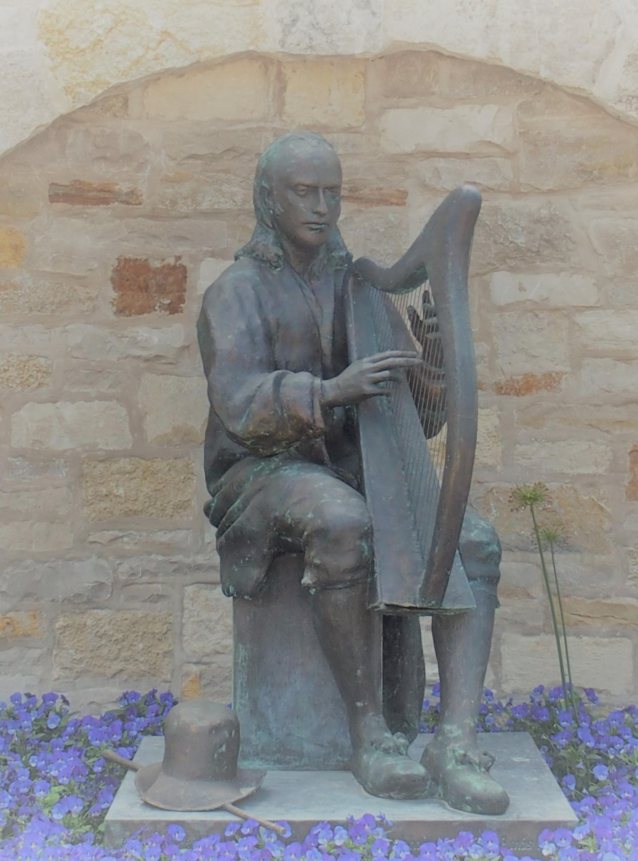 Carolan med harpe