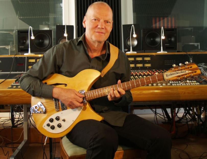 Finn Olafsson i studiet