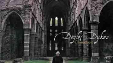 Chameleon udkom i 2006 og er en instrumental cd med Doyle Dykes
