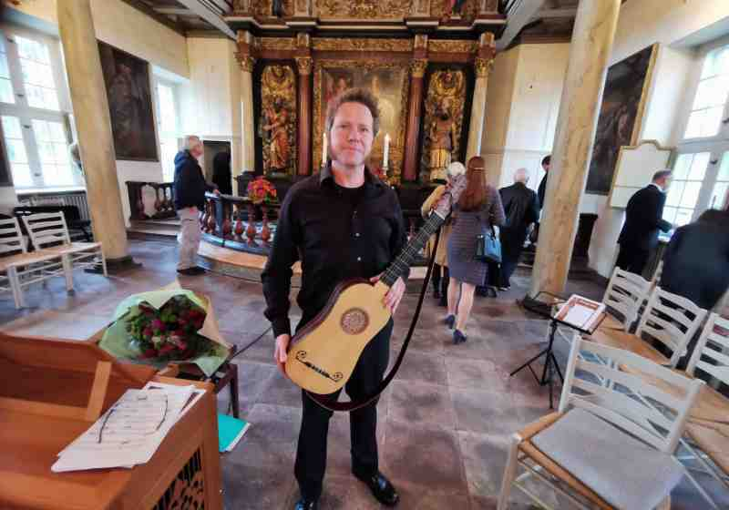Lars Hedelius Strikkertsens barokguitar