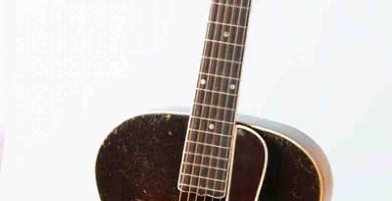 Gibson's første archtopguitarmed F huller. Det var med denneguitarlegendariske Mothet Maybelle Carter indspillede Will The Circle Be Unbroken, Wild Wood Flower og andre store hits med The Carter Family tilbage i 1927 og frem.
